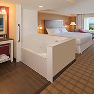 Whirlpool Suite with 1 King Bed - Cityview